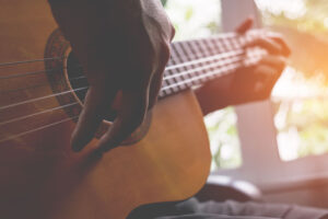 How to Stretch Guitar Strings