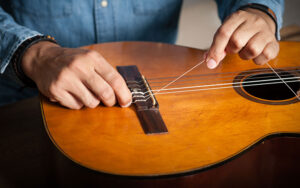 Changing classical guitar strings